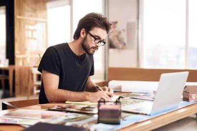 Jak przygotować się do założenia firmy? Najpierw zastanów się czy własna działalność to coś dla ciebie.