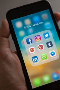 Ile czasu spędzasz w social mediach?